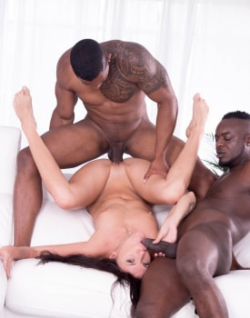 Verona Sky, Double Vaginal in her First Interracial Threesome-10