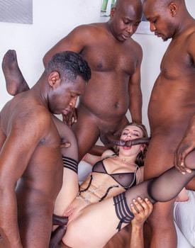 Liberta Black, an Open Wide Ass for an Interracial Gangbang-8