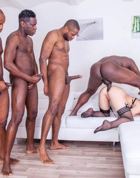 Liberta Black, an Open Wide Ass for an Interracial Gangbang-10