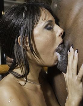 Melanie Memphis Deepthroats and Anal Sex in an Interracial Quickie-9