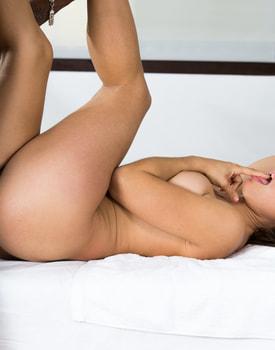 Julia Roca, Massage and Sex-8