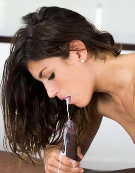Julia Roca, Massage and Sex-10