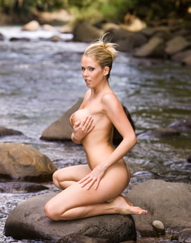 Jamie Brooks Has Anal Interracial Sex in a Tropical River-2